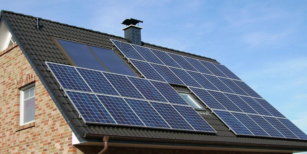Panneaux photovoltaïques - Les prestations de DomElec, expert électricien en Savoie et Haute-Savoie